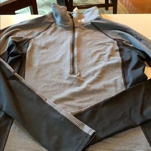 Women under armour cold gear pull over